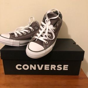 NWOT! New Converse Women's Size 7
